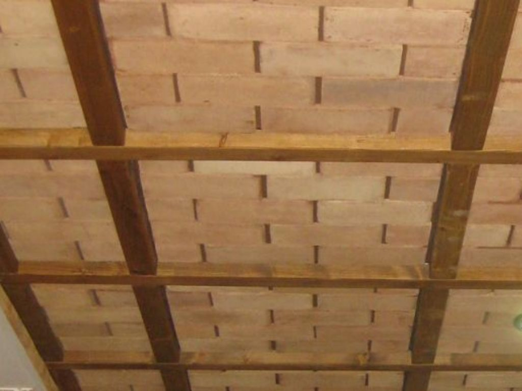Falso techo imitacion madera amazing awesome forrado de for Falso techo rustico